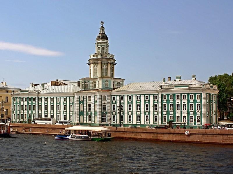 Кунсткамера музей в Санкт-Петербурге